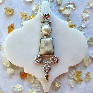 White Ocean Jasper & Biwa Pearl pendant Silver